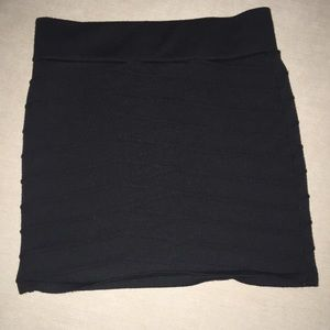 DEBUT BLACK RIBBED MINI SKIRT
